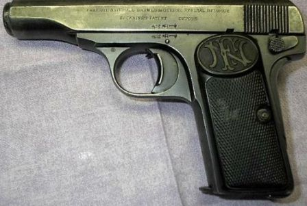 Browning model 1910.
