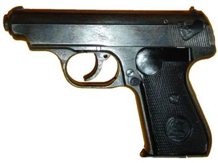 Sauer 38H pistol, late war production model with omitted decocker lever.