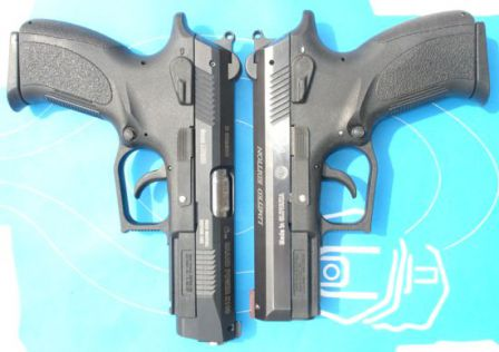 K100 Mk.6 full-size pistol (left) compared to K100 P1 semi-compact (right)