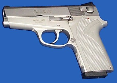 Smith & Wesson mod. 3913 - 3rd generation compact 9mm