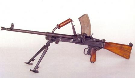 Vz. 52/57 machine gun with box magazine installed.