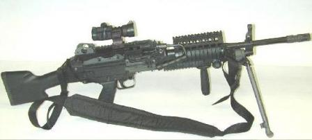 Mk. 48 mod.0 machine gun fitted with RIS (Rail Interface System), optical scope and assault handle under the barrel.