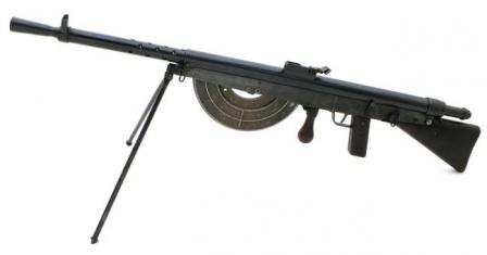 Chauchat C.S.R.G. Model 1915 light machine gun, caliber 8x50R, with bipod unfolded.
