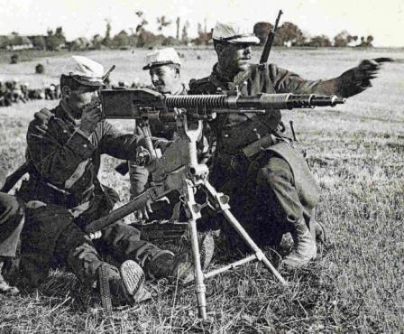 French soldiers firing Puteaux Mle.1905 machine gun on maneuvers