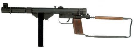 Hovea M1949 Suomi tipi 50-yuvarlak dergisi ile hafif makineli tüfek.