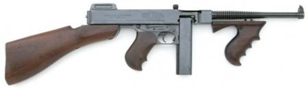 Thompson Model 1921 submachine gun with 20-round box (