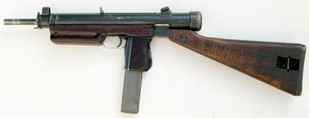 Sa.24 submachine gun, with fixed wooden butt, caliber 7,62mm.