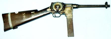 7,65mm MGD submachine gun (possibly prototype) withfixed wooden stock.