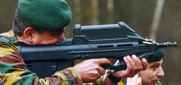 http://world.guns.ru/userfiles/images/assault/as41/fn_f2000_5.jpg