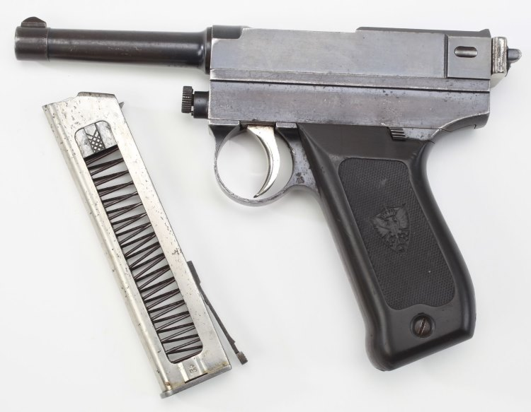 Brixia M1913 pistol - left side, with magazine