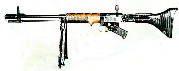 Автоматическая винтовка FG.42 является одним из наиболее интересных образцов...