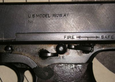 Controls of M1928A1 submachine gun; M1 controls were in same positions but withlevers of simplified shape.
