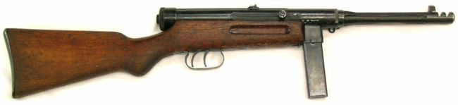 Beretta M1938 / 42 (Model 1942) hafif makineli tüfek.