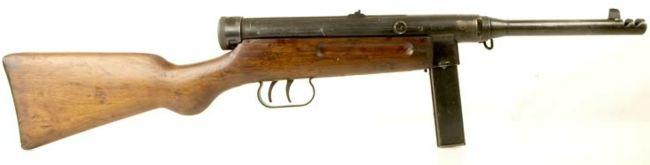 Beretta M1938 / 44 (Model 1944) hafif makineli tüfek.