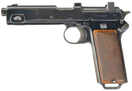 Steyr Hahn M1912 / M.12 self-loading pistol, originally used by Austrian army, and later captured by Germans and converted to 9x19 Luger ammunition.