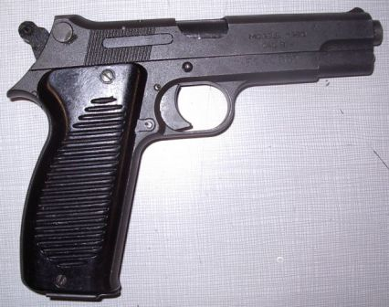 Mle.1950 pistol, right side
