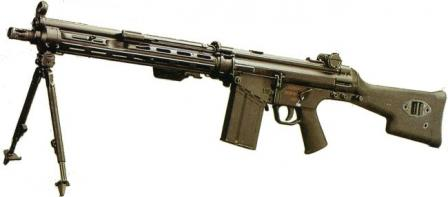 7,62x51 NATO HK 11E light machinegun with 20-round magazine.