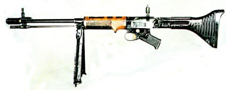 FG-42 rifle, first model.