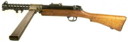 Left side view on Lanchester Mk.1 submachine gun, with 50-round magazine inplace.