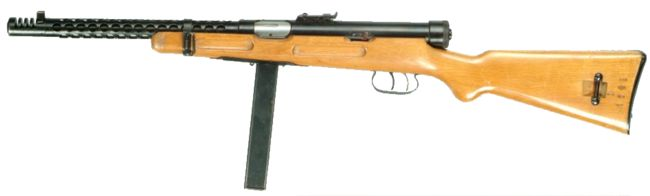 Beretta M938A (Model 1938) submachine gun, left side.
