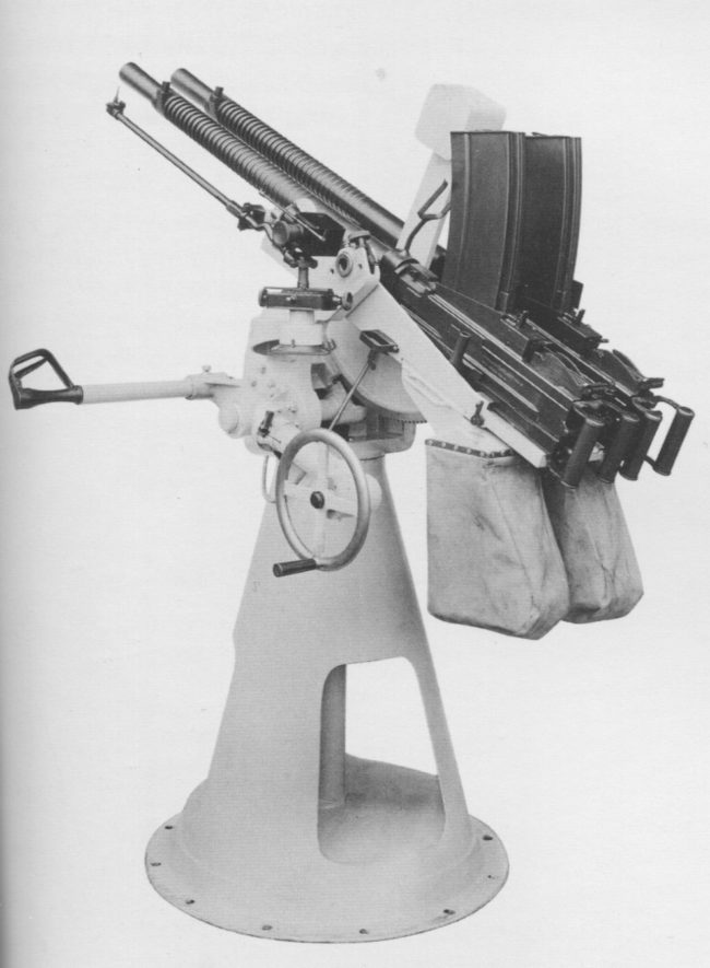 Breda M1931 heavy machine gun on twin naval AA mount