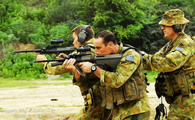 australian soldiers with F88 (Steyr AUG) rifles