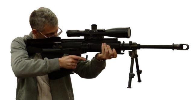 автор статьи с венгерской крупнокалиберной винтовкой GM-6 в компоновке буллпап